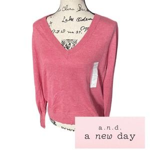 Womens top/ long sleeve NWT Large